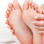 Thumb and join pain are warning signs of bunions